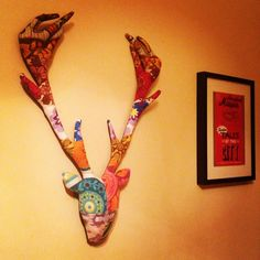 I made this stag head with recycled TWEE vintage fabrics in a lovely patchwork style :)