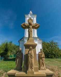 #hungary#travel #summer #ikozosseg #mik #instadaily #photooftheday #rural #nature #turista #magyarorszag #kéktúra #church #cross #sky #wineyard
