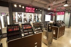 Makeup Forever has opened an LA pro store in November? Looks like I gotta leave the valley this week :(