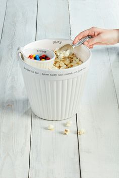 Double the fun with our popcorn and candy bowl set, this three piece set comes with a ceramic popcorn tub, scoop, and candy dish! #mudpiegift #popcorndish #candydish #movienight Popcorn Tub, Popcorn Bowl, Corn Dishes, Candy Dishes, Mud Pie Gifts, Mini Loaf Pan, Candy Bowl, Dish Sets, Fall Home Decor