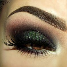 Eye makeup this alluring is a must try. Blend together extra long false eyelashes with a dark, sultry palette and you've got the ultimate smoky.