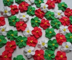 Christmas mix red, green and white royal icing flowers  -- Christmas x-mas edible cake decorations cupcake toppers (50 pieces)