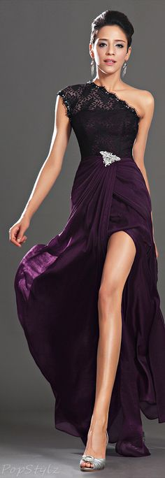 Don't know when i would wear it...but i loveee it! Lace Shoulder Evening Gown. This is SO elegant.