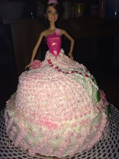 Barbie Torte - Cake Mein 1. Versuch :) Torte Cake, Ball Gowns, Barbie, Formal Dresses, How To Make, Fashion, Homemade, Ballroom Gowns, Dresses For Formal