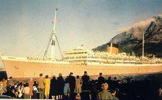 Carnarvon Castle Cruise Boat, Cruise Ships, Merchant Navy, Southampton, Windsor, Vintage Posters, Paris Skyline, Boats, Castle