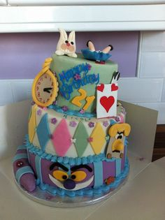 Pauline gave this masterpiece to her daughter for a 21st party - wow! #disneycakes