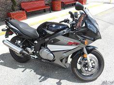 2009 Suzuki GS500F - 600 miles #cyclecrunch http://www.cyclecrunch.com/2009-GS500F-Sport-295158-53?utm_source=pinterest_medium=board_campaign=bike295158