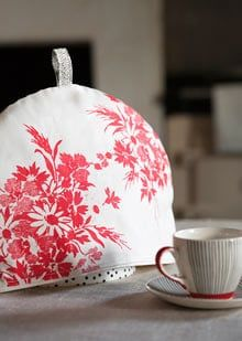 Tea cosy by Lisa Stickley