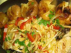 Bacalhau a lagareiro Cod Fish Recipes, Seafood Recipes, Wine Recipes, Mexican Food Recipes, Cooking Recipes, Ethnic Recipes, Portuguese Desserts, Portuguese Recipes, Portuguese Food