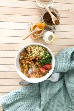 Lust auf ein richtig leckeres, würziges und veganes Kichererbsen-Curry 🍛? Auf unserem Blog findest du das Rezept dafür.