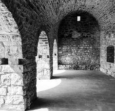 Torre Ruffolo  #giornatafai #fai #giornatafaidiprimavera #torreruffolo #ruffolo #giovinazzo #anticofrantoio #art #architecture #fortification #chiancarelle #ancientarchitecture #architetturarurale #puglia #bari #italy #discoveritaly #blackandwhite #iphone7 #sunnyday #discoverhistory #historyofmytown #mytown #today