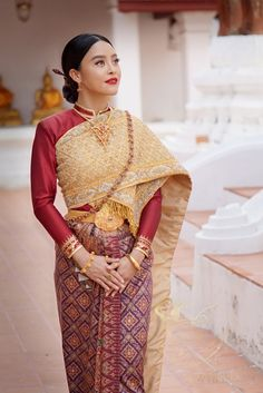 Thailand Costume, Thailand Outfit, Thailand Fashion, Traditional Thai Clothing, Traditional Fashion, Traditional Outfits, Thai Fashion, Trendy Fashion, Fashion Ideas