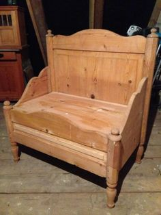 verschiedene b nke angefertigt aus alten betten sie haben ein altes alte betten. Black Bedroom Furniture Sets. Home Design Ideas