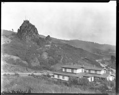 North Berkeley, looking southeast, with six houses on Euclid Avenue, and Cragmont Rock in the background. See also in this collection. History Online, Local History, East Bay Area, San Francisco Earthquake, California History, Northern California, Old Pictures, The Past, Treehouse