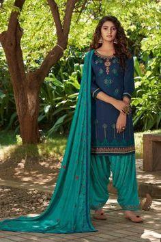 Costumes Punjabi, Costumes Anarkali, Punjabi Suits, Salwar Suits, Chiffon Fabric, Satin Fabric, Art Bleu, Patiala Dress, Patiyala Suit