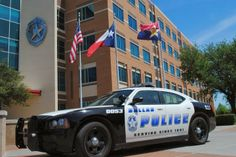Dallas Crime On The Rise - Fort Knox Home Security Dallas Police Officers, Police Chief, Sirens, Radios, 4x4, Crime Rate, Violent Crime, Police Cars, Police Vehicles