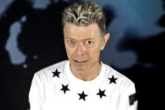 David Bowie at 68 in the throes of a virulent cancer but living life and smiling. I idolize his stoicism. I see it in his face, the cancer and the incredible person so loved. ✌️⚡️☮
