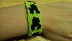 Craft: Mickey friendship bracelet