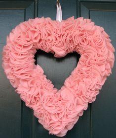 19 Outstanding Handmade Valentine's Wreaths http://www.architectureartdesigns.com/19-outstanding-handmade-valentines-wreaths/