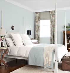 Blue-and-White Bedroom palest robin's egg blue (Albermarle Blue by Darryl Carter Colors by Benjamin Moore) Read more: Blue Rooms - Ideas for Blue Rooms and Home Decor - Country Living Pale Blue Bedrooms, Blue Rooms, Blue Walls, Mint Walls, Master Bedrooms, Home Design, Interior Design, Design Ideas, Design Inspiration