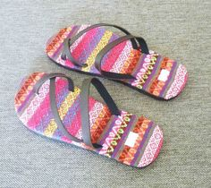 NEW Okab SADIE PEARL WHITE Sand Dollar Rubber Flip Flop Sandals Women/'s Shoes