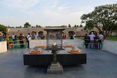 Raj Ghat (memorial a Gandhi) Nueva Delhi / Raj Ghat (Gandhi memorial) New Delhi Gandhi, India Travel, New Delhi