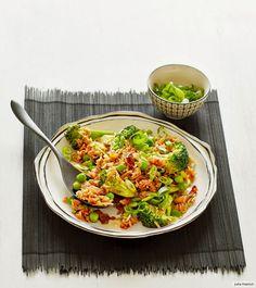 Rezept für Bratreis bei Essen und Trinken. Und weitere Rezepte in den Kategorien Eier, Gemüse, Gewürze, Reis, Schwein, Alkohol, Hauptspeise, Braten, Asiatisch, Einfach, Hülsenfrüchte.