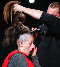 kkk - So Funny Epic Fails Pictures Shaved Undercut, Shaved Hair, Punishment Haircut, Shaved Head Women, Forced Haircut, Female Mohawk, Before And After Haircut, Shave Her Head, Dibujo