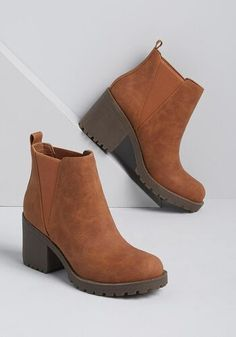 A Better Beginning Ankle Boot - Start the cooler season off on the right track by sporting these tan ankle boots! We love their sleek, faux-leather construction, elastic side goring for easy on/off, and chunky block heel for a comfy step. Tan Ankle Boots, Ankle Booties, Short Heel Boots, Fringe Ankle Boots, Fall Booties, Style Grunge, Soft Grunge, Buy Shoes, Me Too Shoes