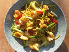 Curried Pasta With Shrimp, Mushrooms, Veggies And Egg (Sunshine On A Plate)