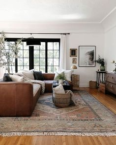 My New Room, Home And Living, Rugs In Living Room, Living Room Designs, Living Room Decor, Living Spaces, Living Room Inspiration, Home Decor Inspiration, House Styles