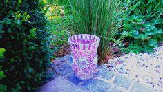 Mosaik Windlicht oder Vase lila von Meine kleine kunterbunte Welt - abstrakte Acrylbilder und Gartendekoration aus Mosaik auf DaWanda.com