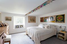 House Tour: A Creatively Decorated Cotswolds Cottage That Mixes Old and New