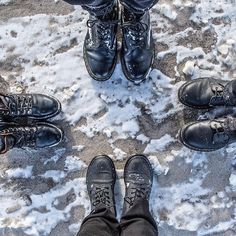Enjoy your weekend dear friends one of our usual #feettrait on a beach covered in snow and ice! #sageonearth