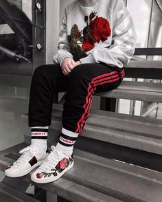 Vetements x Gucci x Adidas Fashion Mode, School Fashion, Fashion Killa, Urban Fashion, Fashion Outfits, Fashion Trends, Fashion Edgy, Fashion 2018, Street Fashion