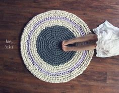 UPCYCLED CROCHET RUG You can now take my online class; Crochet Rug Making: Beginner's Circle on Skillshare! Let's go make some rugs!! WRITTEN HOW-TO WITH PATTER