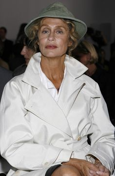 From Sienna Miller to Lupita Nyong'o: The Best-Dressed Women in Calvin Klein's Front Row Tomboy Fashion, 90s Fashion, Fashion Models, Clothes For Women Over 50, Lauren Hutton, Older Models, Sienna Miller, Advanced Style, Calvin Klein Collection