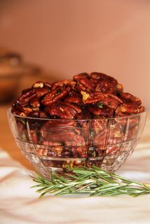 rosemary spiced pecans
