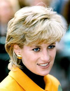 Diana Fashion, Lady Diana Spencer, Princess Of Wales, Queen Of Hearts, Style Icons, Royals, Spirit, Woman, Elegant