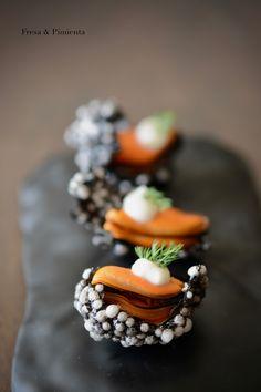 Tapas, Michelin Food, Sriracha, A Food, Food And Drink, Modernist Cuisine, Food Decoration, Mini Foods, Molecular Gastronomy