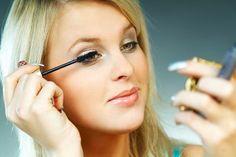 Quick Makeup Tips - How To Apply Makeup - Makeup Tips To Improve Your Look - How To Choose Makeup Foundation Fix Makeup, Day Eye Makeup, Quick Makeup, Night Makeup, How To Apply Makeup, Simple Makeup, Applying Makeup, Evening Makeup, Daily Makeup