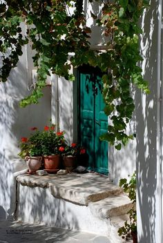 Colourful entrance, Naxos island - Greek style by Chris Gregory on Old Doors, Windows And Doors, Beautiful World, Beautiful Places, Doorway, Porches, Entrance, Pictures, Inspiration