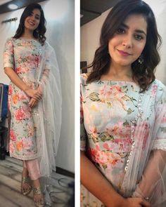 Silk Kurti Designs, Simple Kurta Designs, Kurta Designs Women, Kurti Designs Party Wear, Salwar Designs, Stylish Dresses For Girls, Stylish Dress Designs, Designs For Dresses, Dress Indian Style