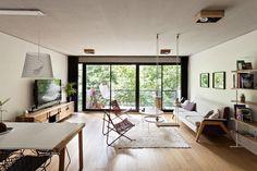 Proyecto: KG Arquitectura  Alan Griscan - Nicolas Kitay - Ariel Kitay Modelo: Osado plafón de madera con 4 luces Ar111 Led