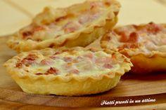 Il tortino stracchino e pancetta è un delizioso antipasto, gustoso e super appetitoso; è anche davvero molto semplice e veloce da preparare. La ricetta qui: http://blog.giallozafferano.it/piattiprontiinunattimo/tortinostracchinoepancetta/