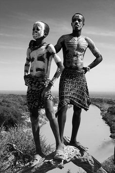 Africa | Karo portrait. Omo valley. Ethiopia | © Georges Courreges.