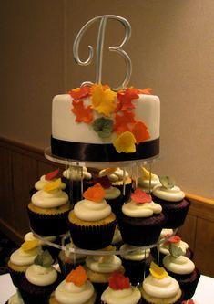 Fall Wedding Cupcakes, Cupcake Tower Wedding, Wedding Desserts, Cupcakes Fall, Cupcake Towers, Fall Cakes, Mini Cakes, Cupcake Cakes, Cupcake Frosting
