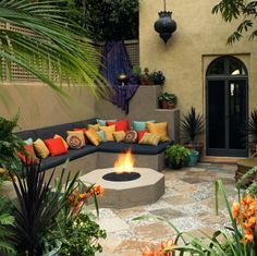 Backyard, Moroccan-style! (Houzz | Tommy Chambers | David Phelps Photography)