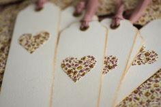 #Punto de libro detalle #corazones con estampado floral