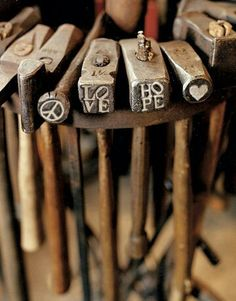 Wanting to begin woodworking? Avoid these errors that newcomers often make in woodworking. Explore the many different fast and straightforward woodworking shop tips from the website of ours. Find out about woodworking. Antique Tools, Old Tools, Vintage Tools, Blacksmith Hammer, Blacksmith Shop, La Forge, Number Stamps, Blacksmithing, Metal Art